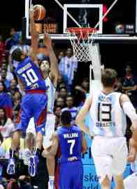 gilas-norwood-dunks-scola