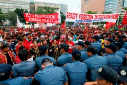 Philippines US Violent Protest
